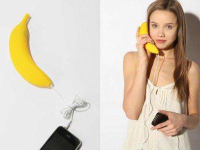 auricular para teléfono con forma de banana