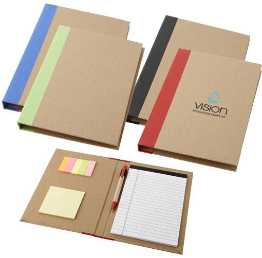 Carpeta pequeña con bloc en tamaño A5, bolígrafo y notas adhesivas.