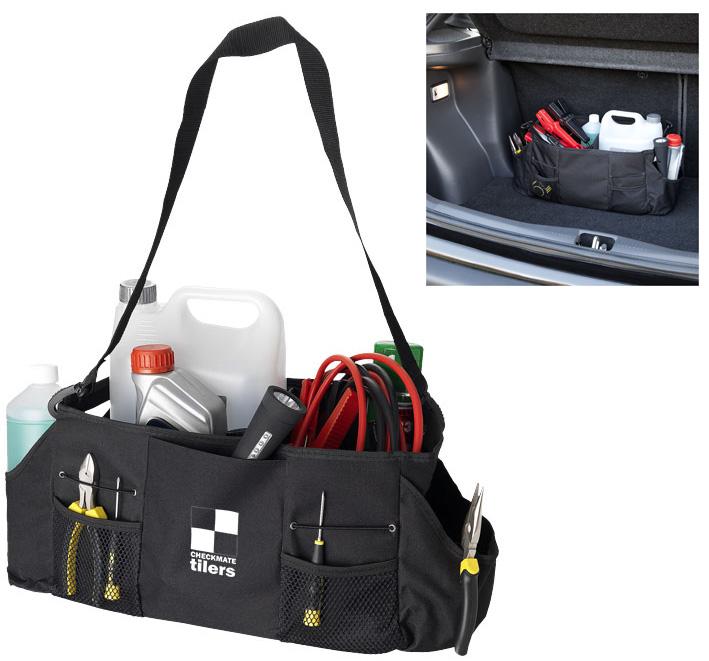 Práctico y resistente organizador. Interior plegable se puede utilizar como un solo compartimiento o dividido en dos. Cinco bolsillos exteriores. Tiras de velcro en la parte inferior como seguro para pisos y alfombras de coche.