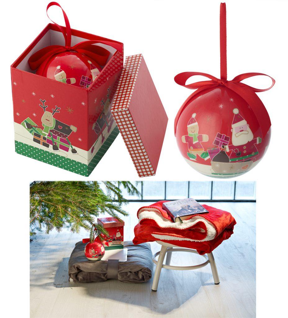 Caja de música de navidad con bola navideña con lazo incluida.